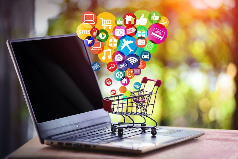 Chatbot vs Live Chat: Which Is Best for eCommerce Websites?